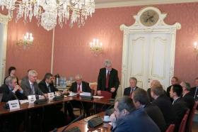 Kulatý stůl v Senátu duben 2014